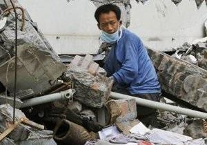 В результате обрушения моста в Китае погибли 50 человек