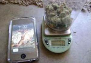 Американца арестовали за попытку обменять iPhone и марихуану на iPad
