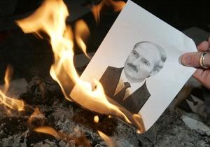 Оппозиция в Беларуси передумала участвовать в выборах - Reuters