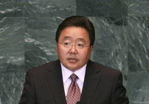 Президент Монголии совершил погружение на дно Байкала