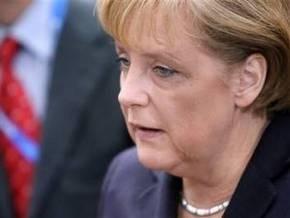 СМИ: Самолет Меркель совершил аварийную посадку