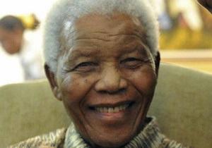 Нельсон Мандела пошел на поправку