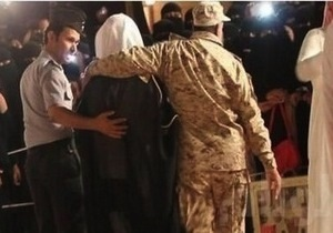 Новости арабского мира - странные новости - красивые мужчины: Саудовская Аравия депортировала трех граждан ОАЭ, посчитав их слишком красивыми