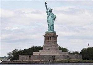 В Нью-Йорке эвакуировали посетителей Статуи Свободы