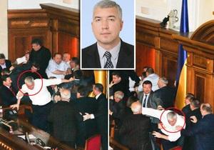 Reuters: Янукович поручил реформу армии парламентскому бойцу