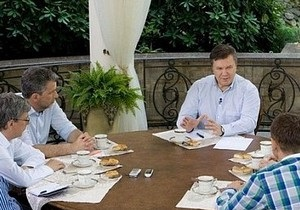 Янукович: Олигархи уверенно отходят от политики