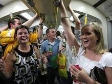Англичанам запретили пить в транспорте