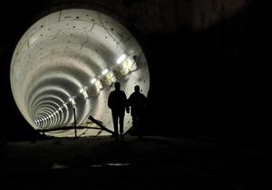 В Баку пропал свет. Пассажиров метро выводили по тоннелям