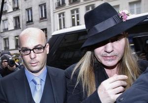 В Париже отменили показ коллекции Гальяно