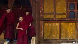 Китай предоставит соцобеспечение тибетским монахам