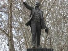 В Таджикистане снесли последний памятник Ленину