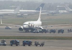 Пассажирка, устроившая эротические танцы, сорвала рейс Москва-Лондон