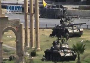 Сирийские танки продолжают обстрел жилых кварталов Хамы