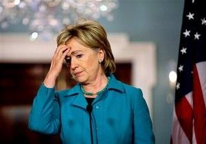 Клинтон из-за госпитализации мужа отложила поездку в Катар и Саудовскую Аравию