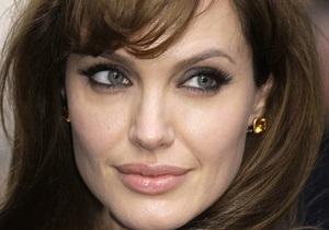Именем Анджелины Джоли назвали храм