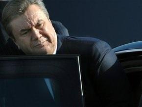 Янукович едет на похороны Алексия II