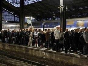Забастовка железнодорожников привела к хаосу в Париже