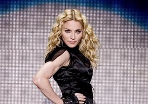 Мадонна спросила у украинцев: А правда, что у вас не очень хороший Президент?