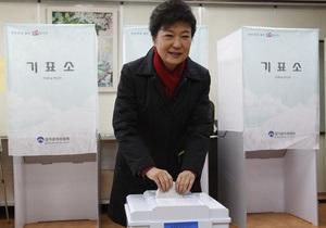 Южная Корея выбирает президента. Проголосовали уже более 50% избирателей