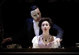 В кинотеатрах по всему миру покажут прямую трансляцию Призрака оперы из Альберт-Холла