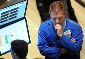 Инвесторы на фондовых рынках настроены негативно