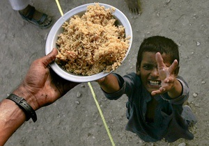 ВБ вчетверо увеличил помощь голодающим Африки