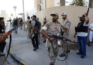 Один из оплотов Каддафи согласился сдаться повстанцам
