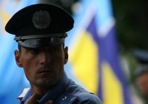 В Тернополе разбили барельеф Славе Стецько и мемориальную доску полковнику УПА Полевому