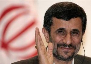 Ахмадинеджад прокомментировал инцидент со взрывом вблизи его кортежа