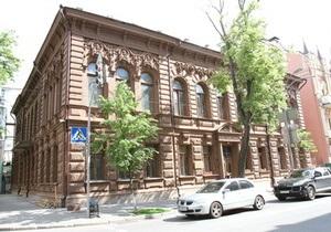 Шоколадный домик в Киеве изменит оттенок
