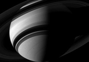 Зонд Кассини сделал новое фото Сатурна