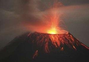 Из-за извержения вулкана Эквадор и Гватемала закрывают аэропорты