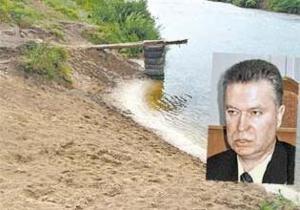 СМИ: Мэр Терновки ранил отдыхающего, который мешал ему стрелять по бутылкам на пляже