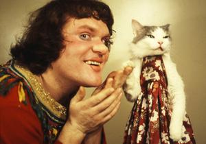 В следующем году в Москве появится храм кошки Юрия Куклачева