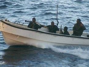 Сомалийские пираты пленили еще двоих украинцев