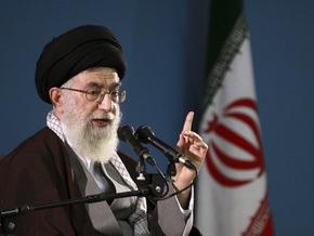 Духовный лидер Ирана призвал США отказаться от угроз в адрес Тегерана
