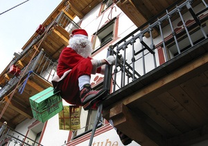 Во Франции ограблен дом местного Деда Мороза