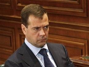 Медведев назвал решение НАТО об учениях в Грузии близоруким