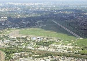 Ъ: Градсовет Киева отклонил проект реконструкции аэропорта Жуляны