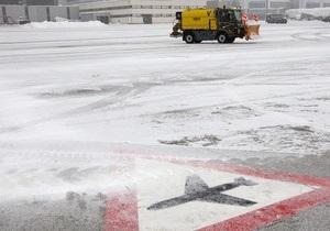 Власти сообщают, что аэропорт Борисполь, несмотря на непогоду, работает в штатном режиме