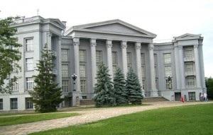 Потомок немецкого солдата подарит историческому музею в Киеве колокол с флагами Украины и Германии