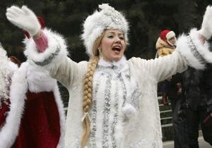 Шестиклассница из Ровенской области получила в подарок от Януковича костюм Снегурочки
