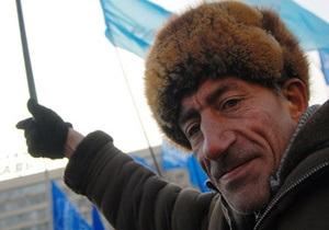 Сторонники Януковича продолжают прибывать в Киев