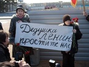 В Крыму пытались отпилить голову памятнику Ленину