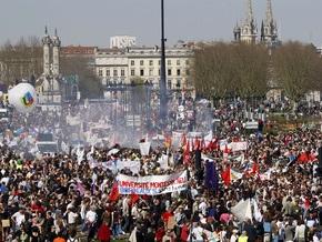 Во Франции бастуют три миллиона человек