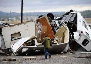 В Аризоне торнадо разрушил 15 домов и перевернул 28 вагонов