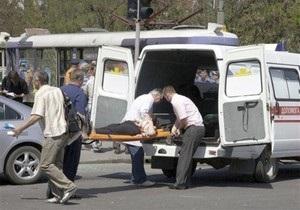 СМИ: Одному из пострадавших от взрывов в Днепропетровске ампутировали руку, другой спасают лицо