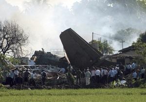 Жертвами авиакатастрофы в Индонезии стали девять человек
