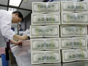 НБУ сократил продажу валюты на межбанке на 38%