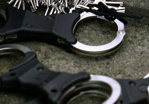 В Киеве задержали мужчину, грабившего женщин в лифтах